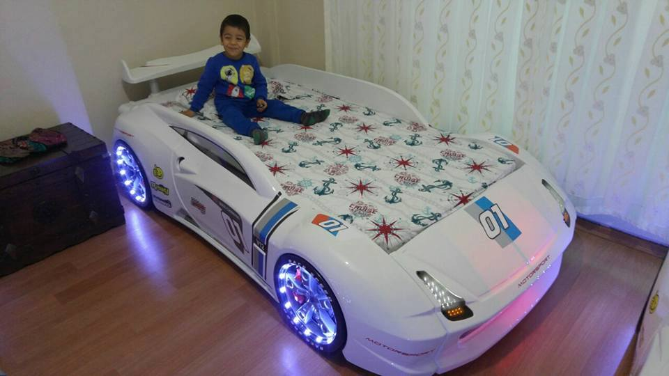 Lamborghini M7 Race Car Bed In White With Spoiler Car
